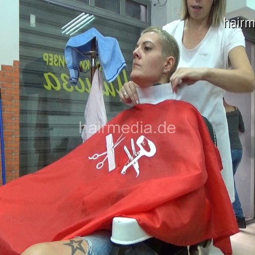 New frizermedia produktions, double wash and female haircut in barbershop