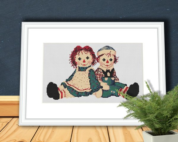 Raggedy Ann and Raggedy Andy Dolls Cross Stitch Pattern